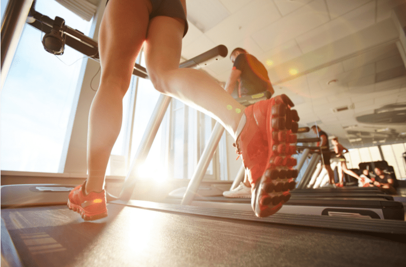 Best Treadmill Workouts for Weight Loss - Woman running on treadmill