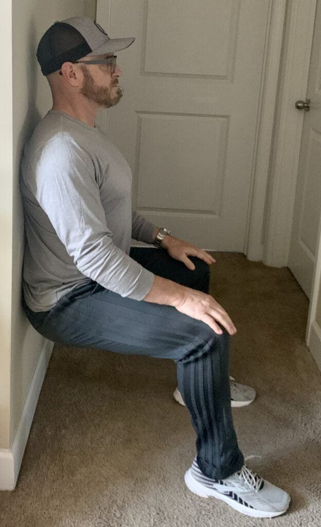 Best Body Weight Workout Routines - bodyweight wall sits