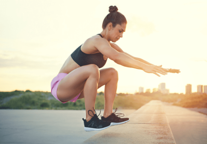crossfit workout routines - woman crossfit jumping
